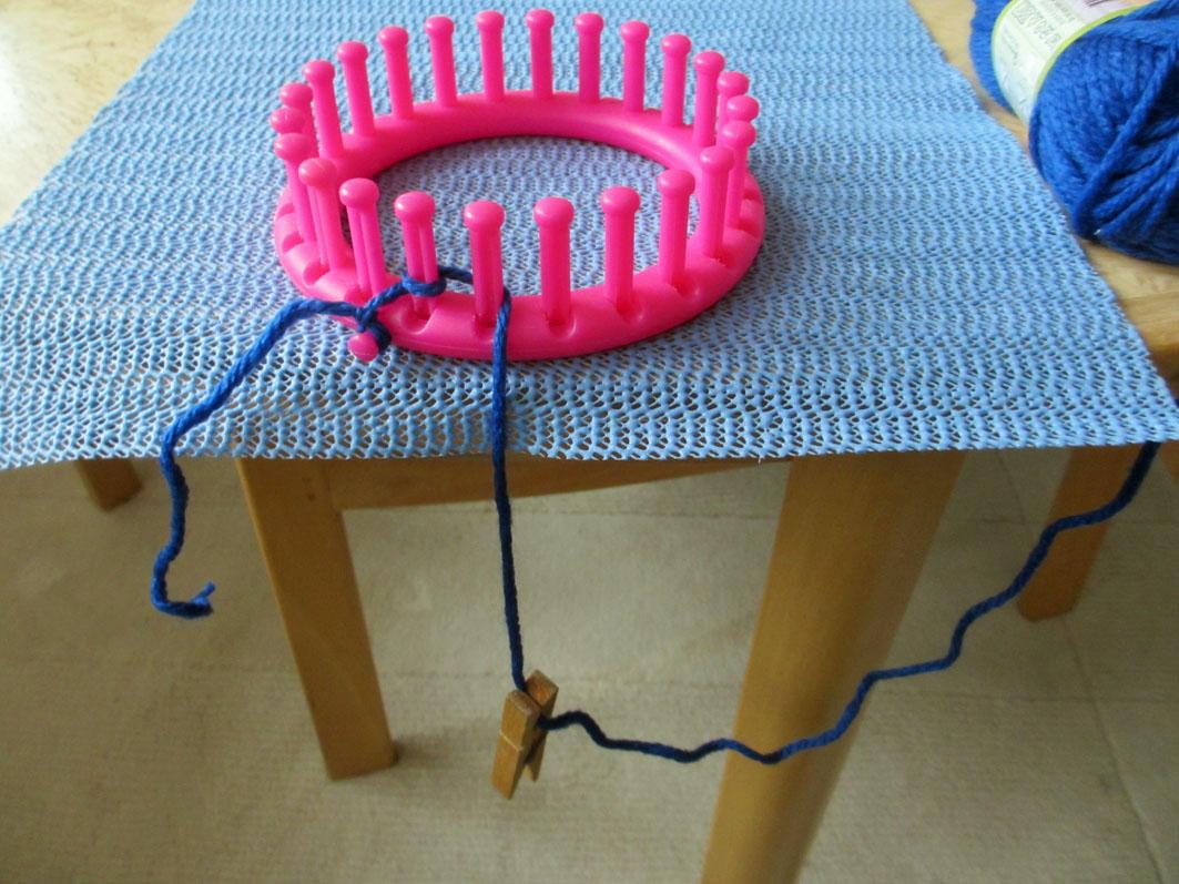 Tips For Knitting Quickly : PÅta quick knit med en hand textil och tips